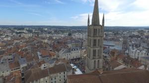 Vue aérienne de la course des garçons de café, édition 2015 à Limoges